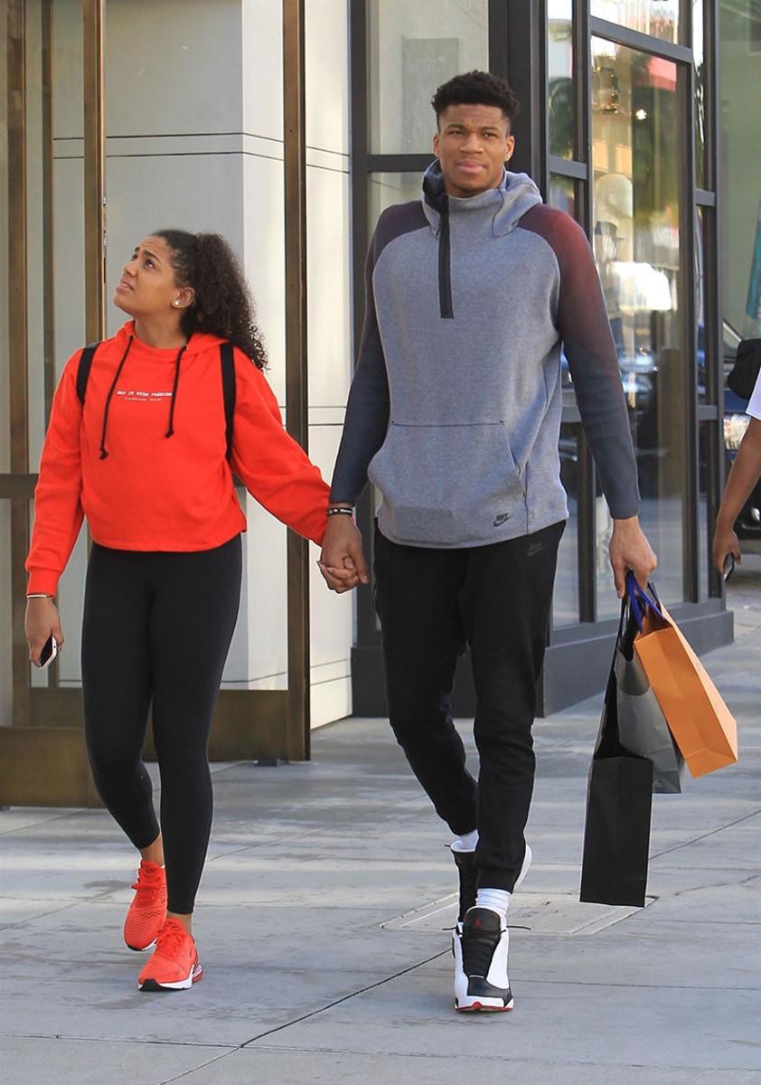 Pics Nba Star Giannis Antetokounmpo Out With Girlfriend Mto News