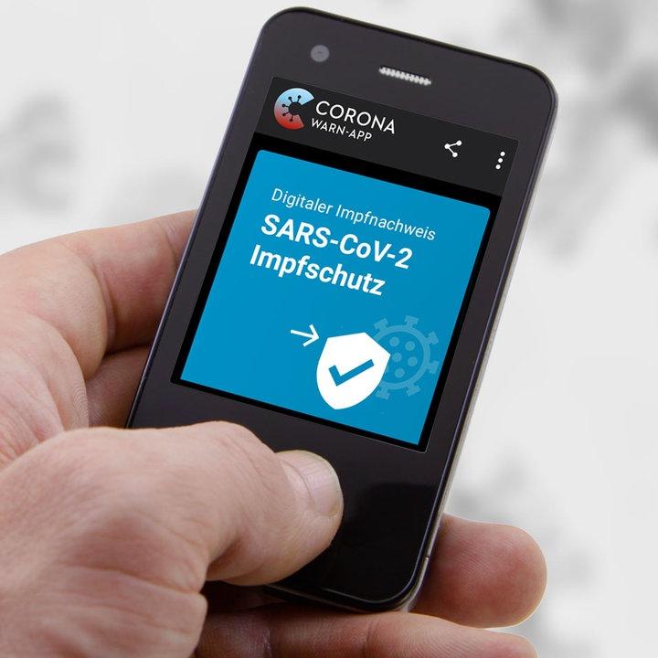 Sicherheitslucke In Corona Apps Digitaler Impfpass Lasst Sich Leicht Austricksen Hessenschau De Gesellschaft