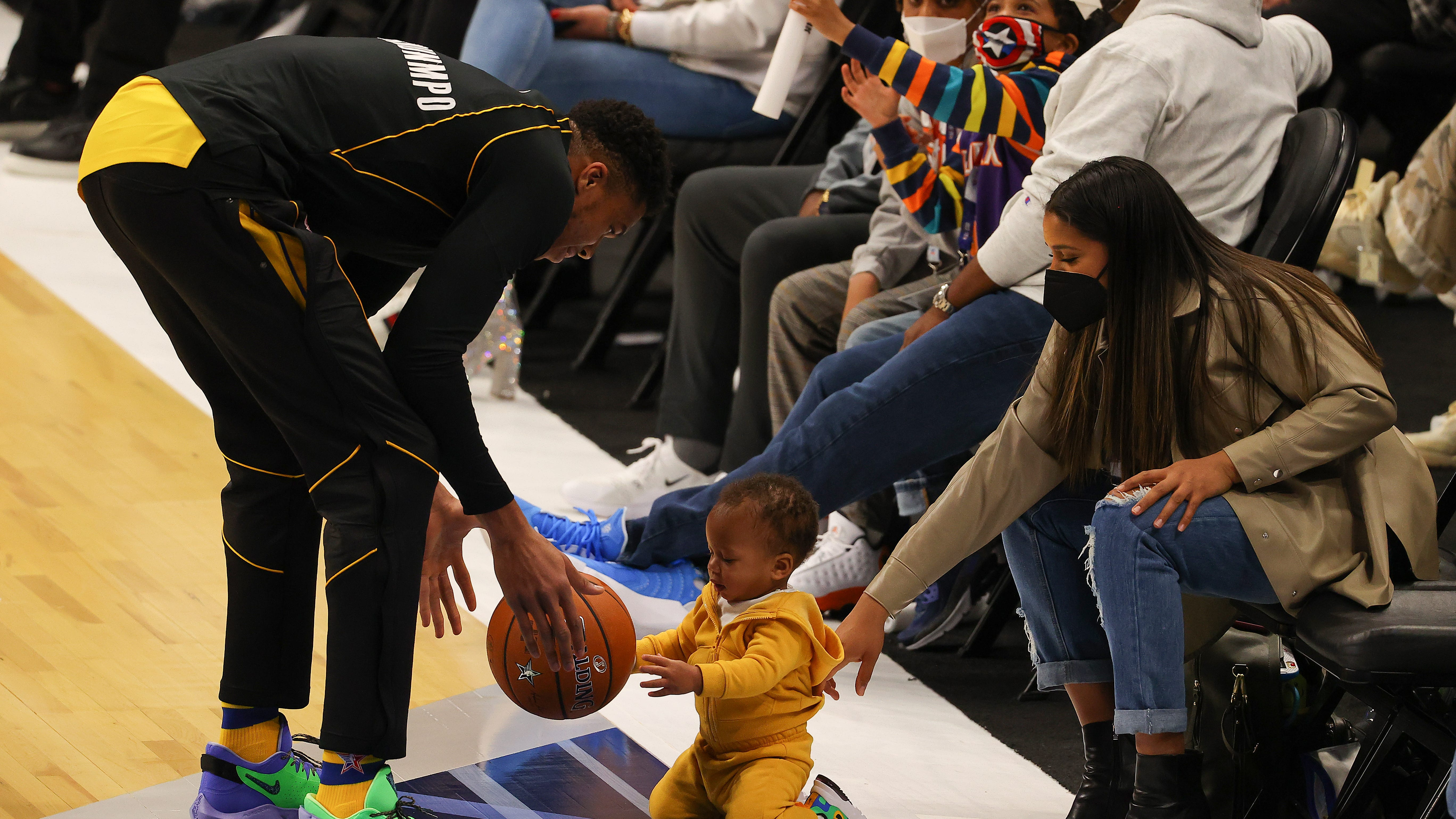 Giannis Antetokounmpo And Son Steal Show At Nba All Star Game